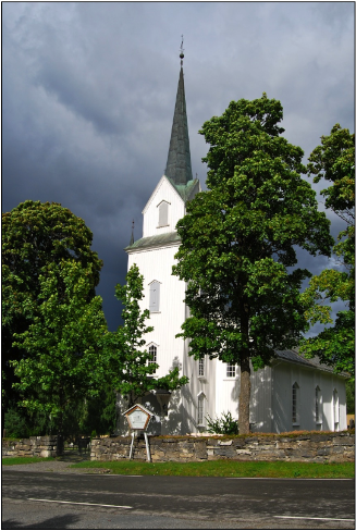 This classic, white Norwegian church reflects the composition of local parish councils nationwide. PHOTO: Views and News