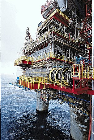 Statoil continues to have trouble with pressure in a well on its Gullfaks C platform in the North Sea. PHOTO: Statoil/Øyvind Hagen
