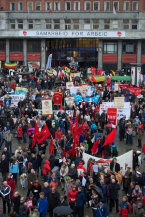 "Thousands filled Oslo's ""Youngstorget,"" which Prime Minister Jens Stoltenberg told Russian President Dmitry Medvedev just last week was the closest thing Norway has to Red Square in Moscow. First of May rallies in the square are an important tradition in Oslo. PHOTO: Views and News"