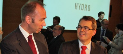 "Norwegian business and trade minister, Trond Giske (left), with Hydro CEO Svein Richard Brandtzæg earlier this year. Giske says a looming government evaluation will address the ""paradox"" of the state's industrial investments. PHOTO: Norsk Hydro"