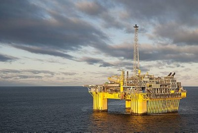 Norway's offshore oil industry is suddenly producing windfall profits because of the rise in oil prices. PHOTO: Øyvind Hagen/Statoil