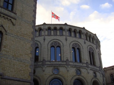 Debate went on for more than nine hours inside the Norwegian Parliament (Stortinget) on Monday, before the controversial communications storage law was approved. PHOTO: Views and News