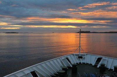 The Midnight Sun was among many attractions on NRK's documentary from aboard the Hurtigruten ship 'MS Nord-Norge.' PHOTO: NRK