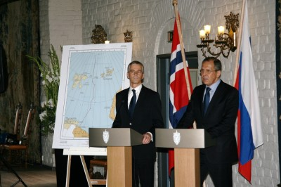 Foreign Ministers Jonas Gahr Støre of Norway (left) and Sergei Lavrov of Russia met once again in Oslo earlier this year, to sign more papers ratifying their agreement on dividing up the Barents Sea. PHOTO: Utenriksdepartementet