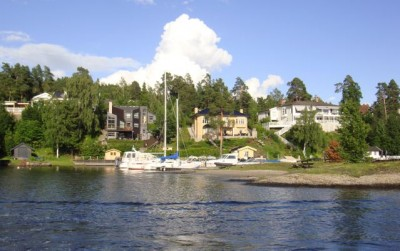 The sale of homes like these on the island of Nesøya, west of Oslo, can hit the buyer with hundreds of thousands of kroner in special tax. PHOTO: Views and News