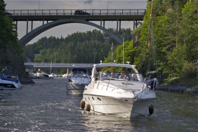 People on board pleasure boats in Norway won't be required to wear life-vests, at least not yet. PHOTO: newsinenglish.no
