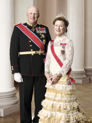 King Harald and Queen Sonja could expect an enthusiastic welcome in Decorah, Iowa and elsewhere on their US tour. PHOTO: Det kongelige hoff