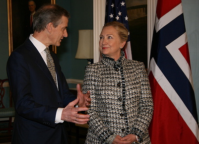 Foreign Minister Jonas Gahr Støre was in Washington DC last week and met with US Secretary State Hillary Clinton, who also welcomes the changes in what's now being called Myanmar. PHOTO:  Siri H. Hollekim Haaland / Ambassaden i Washington