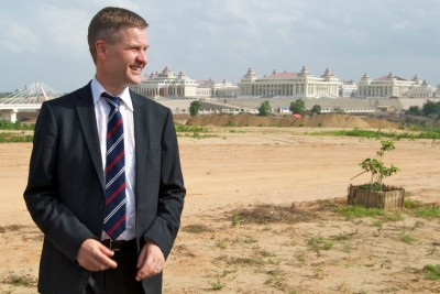 Erik Solheim on a trip to Burma in 2010. Now he may be moving to New York.  PHOTO: Views and News