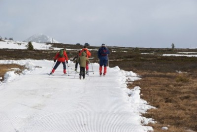 Easter-time skiing has already become challenging in many areas of southern Norway, like here at Ringebufjellet two years ago. Climate researchers predict skiers may need to head for Northern Norway in the years to come. PHOTO: newsinenglish.no