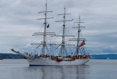 "The ""Christian Radich"" ur cruising on a quiet Oslo Fjord two years ago. PHOTO: newsinenglish.no"