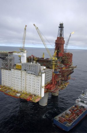 Activity in the Norwegian sector of the North Sea, and now the Norwegian and Barents seas as well, has reached a level that's concerning workers and some economists and politicians, along with ordinary Norwegians. PHOTO: Statoil/Øyvind Hagen
