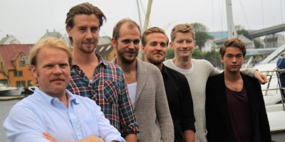 """The film's version of the """"Kon-Tiki"""" crew, including Pål Sverre Hagen (second from left) who plays Thor Heyerdahl, and Anders Baasmo Christiansen (far left) who plays the disputed character of Herman Watzinger. While Hagen resembles Heyerdahl, Christiansen admits that he doesn't look anything like Watzinger did. All the original crew members are now deceased. PHOTO: Filmweb"""