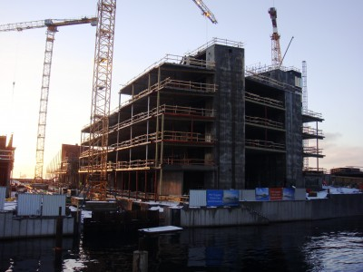 Demand for housing remains high in many areas of Norway, especially Oslo and Stavanger, and many are advocating more construction - but not only of expensive units like those rising along Oslo's waterfront. PHOTO: newsinenglish.no