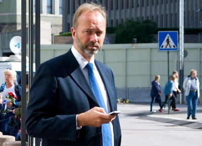 Trade Minister Trond Giske is angry and upset that Cermaq's board approved bonuses for company executives without telling him. PHOTO: newsinenglish.no