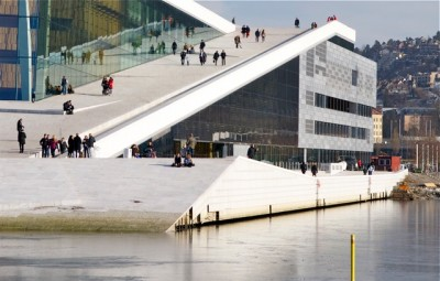 Norway's relatively new Opera House in Oslo is showing signs of wear and tear after just four years. Algae stains the marble, some of which also has fallen off the building, and state officials are struggling to clean up after all the millions of visitors who are attracted to the waterfront landmark. PHOTO: newsinenglish.no