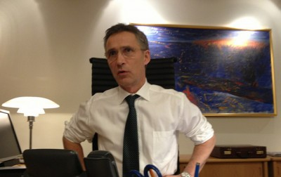 Prime Minister Jens Stoltenberg, shown here at work in his office during the hostage crisis last week, has won more praise and voter support for how he handed the crisis. PHOTO: Statsministerens kontor