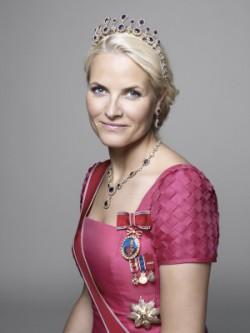 Crown Princess Mette-Marit, shown here in a Nina Skarra gown, has long been a fan of the Norwegian fashion designer. PHOTO: Kongehuset.no