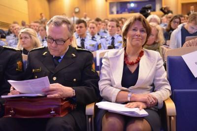 police, Faremo, Humlegård