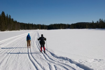There's no avalanche danger in areas like this in Nordmarka, just north of downtown Oslo, but skiers are also urged to stay on marked trails when heading over frozen lakes, since the ice can be getting thin. PHOTO: newsinenglish.no