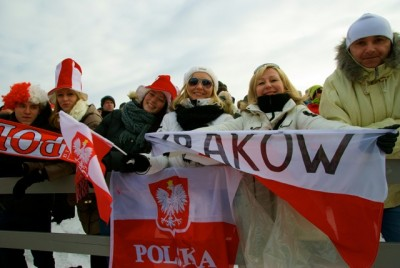 Among the cheering spectators at Holmenkollen were plenty of ski jumping fans from Poland. Norway has a large Polish community and they turned out in force for the World Cup competition over the weekend. PHOTO: newsinenglish.no