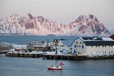 The seas and rich fishing grounds off Lofoten appear to have won a reprieve from the oil minister's efforts to open them up for oil exploration. PHOTO: newsinenglish.no
