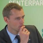 Sp's deputy leader suspends himself