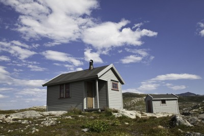 Small cabins like this one in northern Norway are open for use but it's important to respect the honour system for paying. PHOTO: Håkon Langmo/DNT