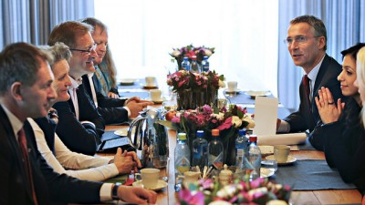Negotiations between the City of Oslo and the state are getting underway in earnest, after the city formally submitted its application for a financial guarantee for mounting the Winter Olympics in 2022 this week. The two sides got together here earlier this spring, with Prime Minister Jens Stoltenberg and Culture Minister Hadia Tajik both indicating they support the effort. PHOTO: Statsministerens kontor