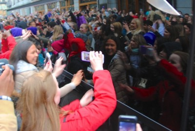 Loyal fans of Canadian pop singer Justin Bieber started flocking around Oslo's Grand Hotel during the weekend, days before the first of three concert dates this week. Police were standing by, also at several other locations where Bieber's fans were gathering, in efforts to maintain crowd control. PHOTO: newsinenglish.no