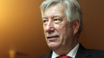 Finance Minister Sigbjørn Johnsen of the Labour Party says he'll demand that Ryanair workers based in Norway must pay tax to Norway. PHOTO: Arbeiderpartiet