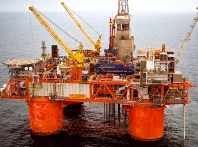 """Statoil's CEO Helge Lund said the """"Snorre"""" field in the North Sea stands to see its profitability cut by 30 percent if the tax hike on oil companies goes through. PHOTO: Statoil/Terje S Knudsen"""
