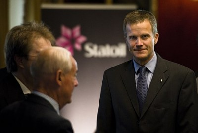 Statoil's Helge Lund only earns a tenth of the salary commanded by the chief executive of Chevron, for example, and much less than other CEOs as well. PHOTO: Statoil/Ole Jørgen Bratland