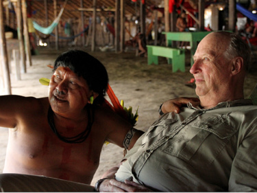 The people King Harald visited in the Amazon have much the same lifestyle and concerns as those now seeking the king's help on Borneo. PHOTO: Rainforest Foundation Norway / ISA Brazil