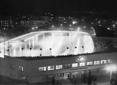 Bislett stadion illuminated during the 1952 Winter Olympics in Oslo. During the Olympics the stadium was converted into an enormous skating rink and hosted speed skating events. Icing was suspended in the 1980s, PHOTO: Wikipedia Commons/Henriksen & Steen/Oslo Museum