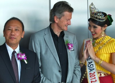 Telenor has 16 years of experience in building up mobile telephone operations in Thailand, which Baksaas and Thai Ambassador Theerakun Niyom (left) celebrated in Oslo recently. Now Telenor hopes to continue its Asian expansion into neighbouring Myanmar. PHOTO: newsinenglish.no