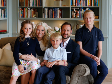 On the very day that the palace's press complaint over photos was being discussed,m it released a series of its own approved photos of the crown couple's family. They were taken by photo agency Scanpix in connection with the upcoming 40th birthdays of Crown Prince Haakon and Crown Princess Mette-Marit. PHOTO: Kongehuset.no/Scanpix