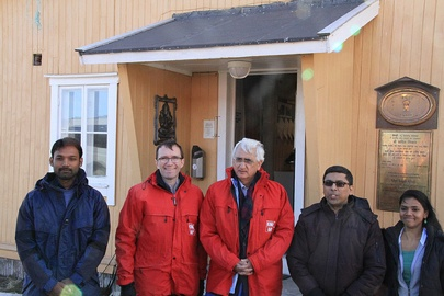 The ministers met with Indian scientists at India's research station in Svalbard. PHOTO: Utenriksdepartementet