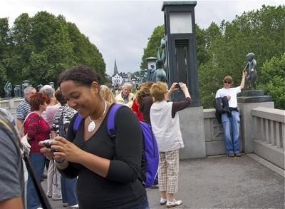 Tourists in Oslo's Vigeland park. There may be fewer of them this year, fresh data suggest. PHOTO: newsinenglish.no