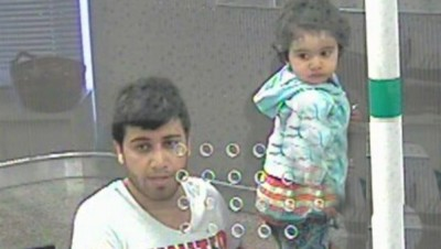 Police in Oslo released this photo from a surveillance camera, taken when the murder suspect was buying a bus ticket for himself and his daughter on a bus bound for Gothenburg and Copenhagen. The two were later spotted on a train to Hamburg. PHOTO: Politiet