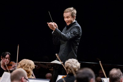 Vasily Petrenko will officially take over as chief conductor of the Oslo Philharmonic Orchestra this month, with his first concert expected to attract thousands to the City Hall Plaza. PHOTO: Philharmonien/Bo Mathisen