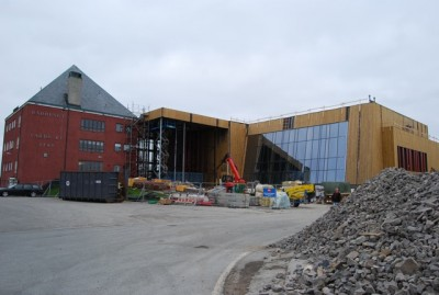 """Among new revitalization projects that won broad political support in Vardø was the new """"Kulturhus,"""" now rising next to City Hall. It's due to open next spring. PHOTO: newsinenglish.no/Nina Berglund"""
