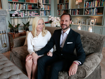 Crown Prince Haakon and Crown Princess Mette-Marit in a recently released photo taken inside their royal estate at Skaugum. PHOTO: kongehuset.no