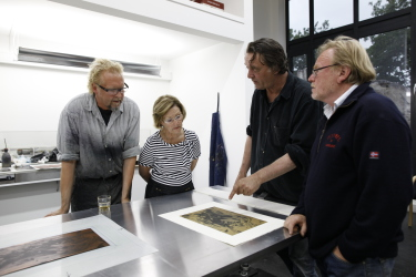 Queen Sonja with artists Kjell Nupen and Ørnulf Opdahl (at right) when she started work on her graphic series two years ago. PHOTO: Det kongelige hoff/Rolf M Aagaard