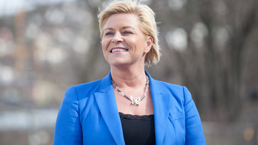 Finance Minister and Progress Party leader Siv Jensen has all reason to be smiling, given the huge jump in voter support for her party. The increase comes right in the middle of the refugee crisis, with her party gaining on its tougher line for controlling the influx of asylum seekers into Norway. PHOTO: Fremskrittspartiet