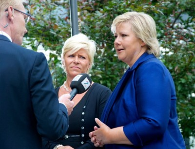 Pressure is growing on Conservatives leader Erna Solberg (right), as she seems increasingly forced to choose between cooperating in a new non-socialist coalition government with Siv Jensen of the Progress Party (left) or with two much smaller center-right parties. PHOTO: newsinenglish.no