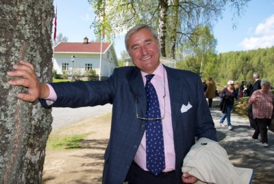 Christen Sveaas, shown here at the Kistefos art and industrial museum that he financed in Jevnaker, continued to spread his wealth and holiday cheer this year. PHOTO: newsinenglish.no