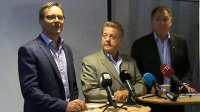 Top athletics boss Jarle Aambø (left), shown here with other sports bureaucrats, announced he was about to be replaced at a press conference Friday afternoon. PHOTO: Olympiatoppen