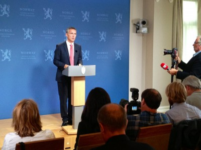 Jens Stoltenberg, still Norway's prime minister for another month, meeting reporters on the day after his Labour Party won the spot as the country's largest party but nonetheless lost government power. PHOTO: Statsministerens kontor