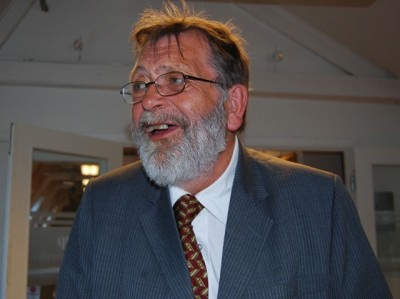 Professor Frank Aarebrot from the University of Bergen stressed that he has little in common with the Progress Party but shares their distress over how they've been portrayed in foreign media. PHOTO: newsinenglish.no/Nina Berglund